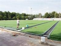 Instal·lació de gespa artificial al camp de futbol del Poliesportiu Municipal 6