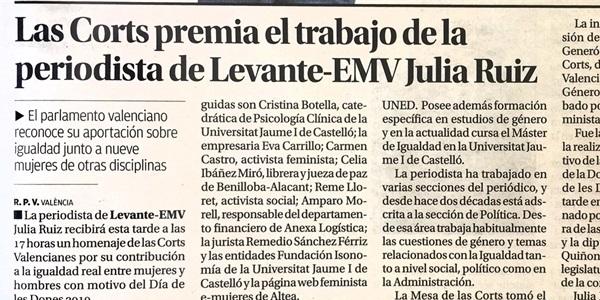 Les Corts Valencianes premien el treball de la periodista picanyera Julia Ruiz.